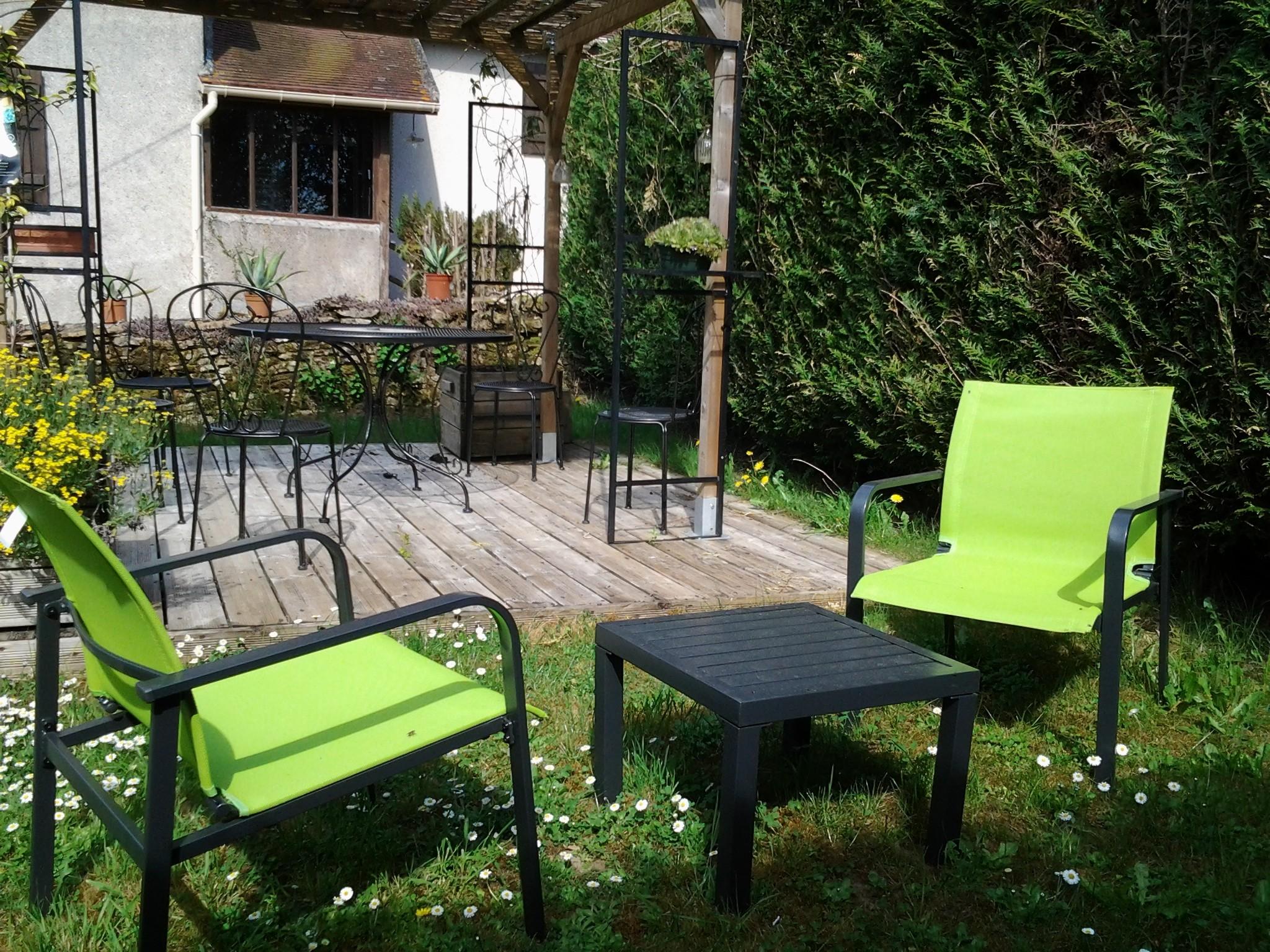 Gite rural fer genouilly france 71 jardin for Jardin 71