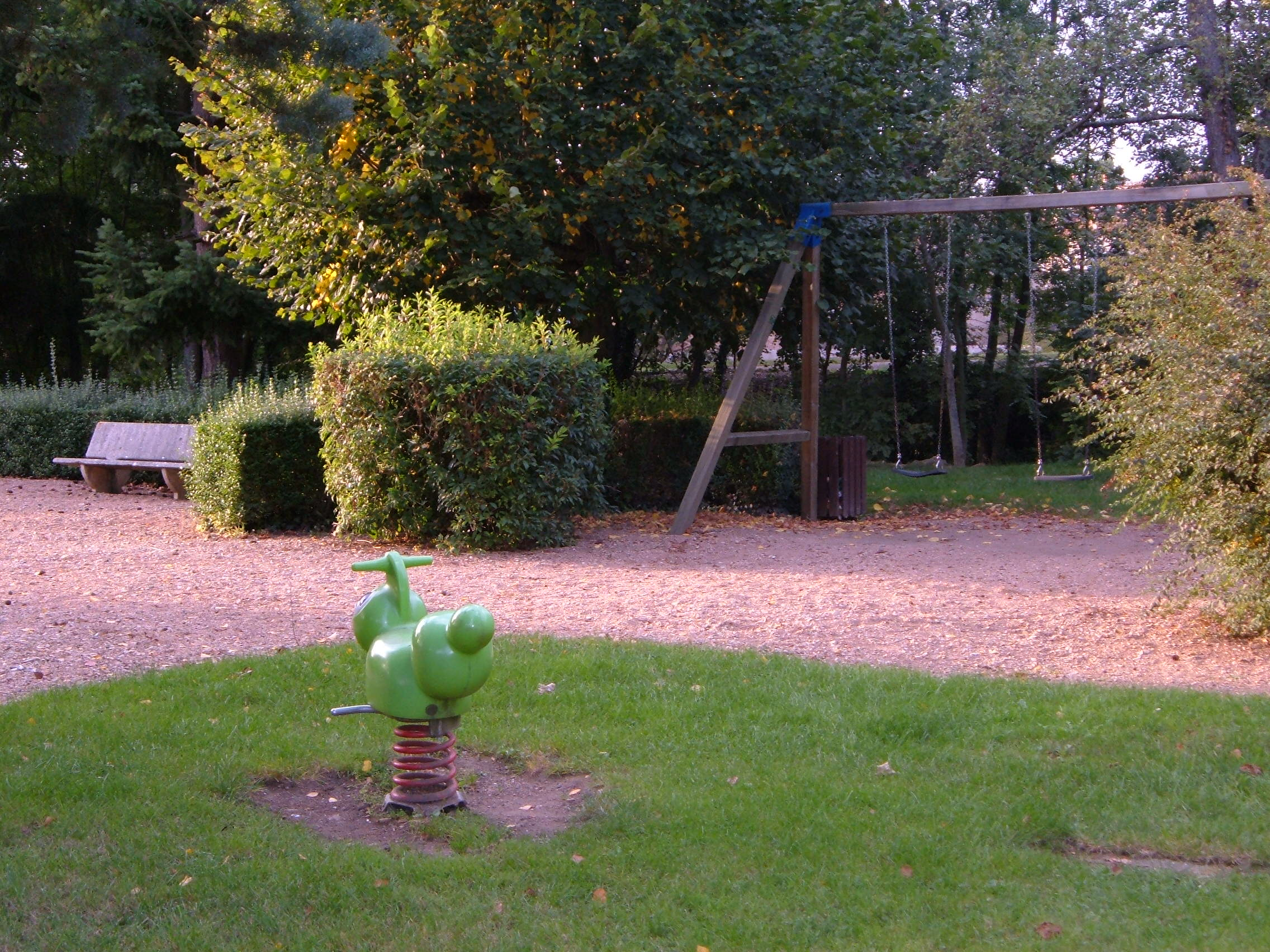 Genouilly - jardin public