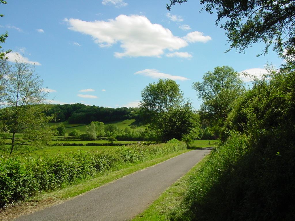 Genouilly - route de Corsenier
