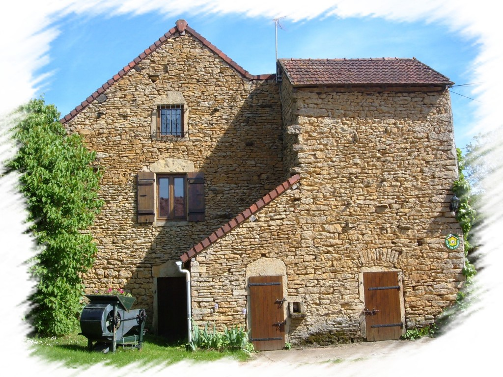 Gîte Fer Genouilly 71460 Bourgogne proche Saint-Gengoux, Cluny, Buxy
